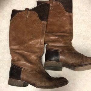 Ariat riding boots as 8.5